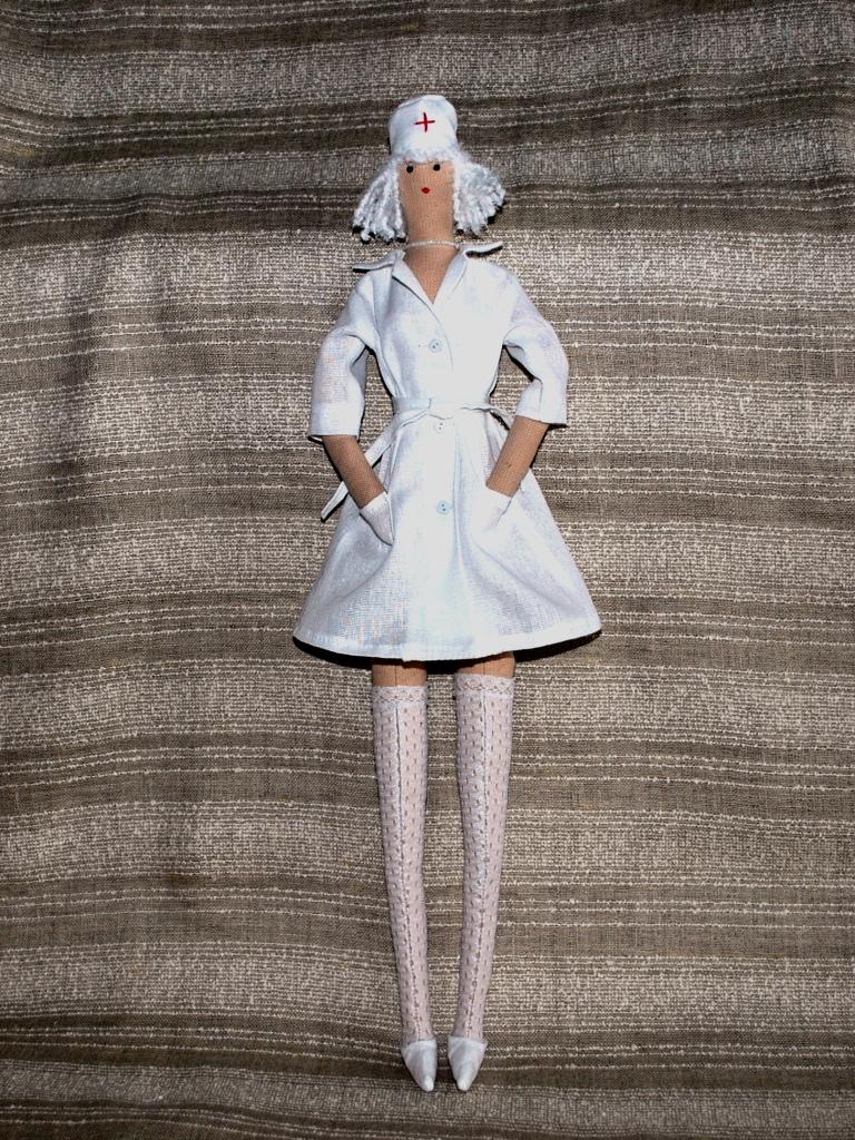 Как сделать одежду для кукол смотреть видео 143